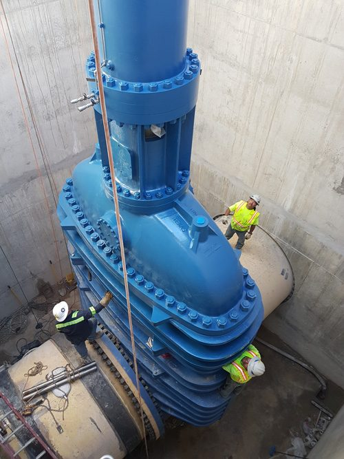 WORLD'S LARGEST GATE VALVE INSTALLED IN TEXAS